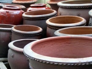 Clay and glazed pots have different porosity