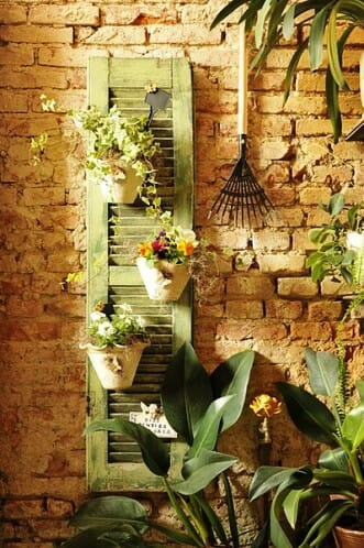 How To Make A Layout Blind furthermore Vertical Gardening also Clever Mobile Gardens For City With Too Little Green likewise Container Vegetable Gardening together with Indoor Vegetable Gardening. on small space vegetable garden design