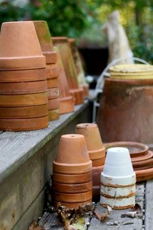 Terracotta pots ready for use