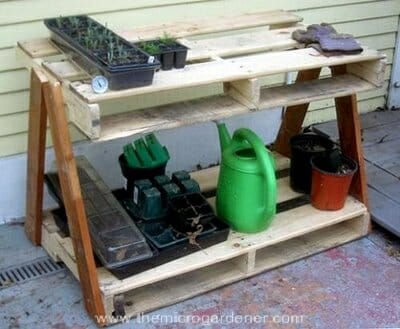 Pallet garden bench | The Micro Gardener